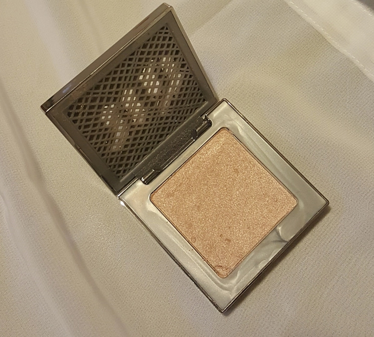 Urban Decay's Afterglow Highlighter in Sin #UrbanDecay #afterglow #highlight www.almostherblog.com
