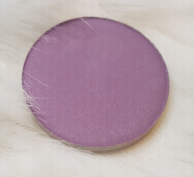 ColourPop Pressed Powder in #SilverLining at Almostherblog.com #colourpop #colourpoppressedpowder